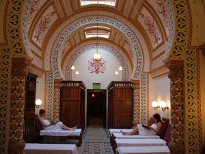 Harrogate turkish baths relaxation room