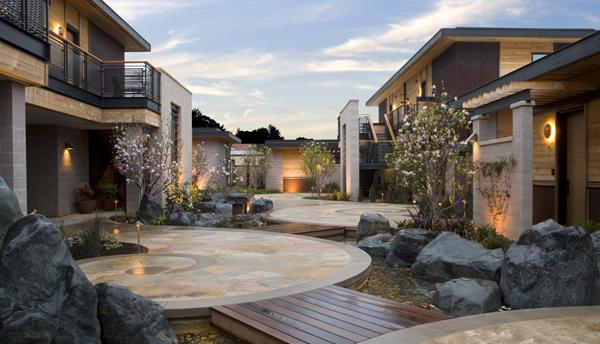 Bardessono's magnolia courtyard
